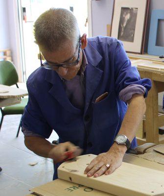 Persona con discapacidad trabajando, Responsabilidad Social en el sector del jamón ibérico